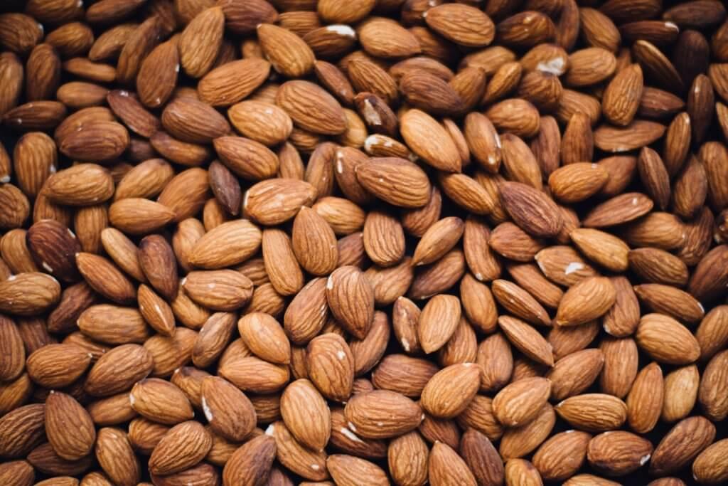 Almonds:  a healthy nurse snack!