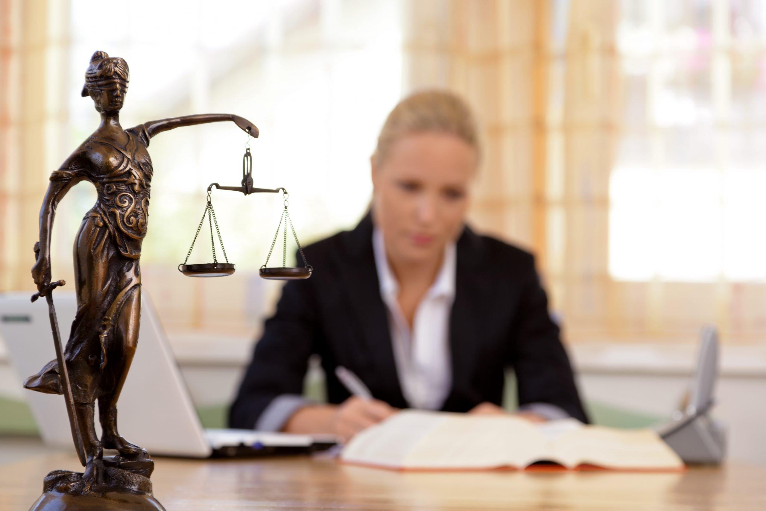 legal nurse consultant at work