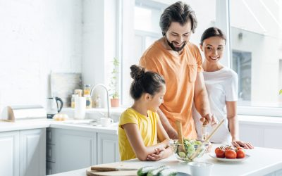 4 Smart Tips To Teach Kids Healthy Eating Habits (From A Busy Mom, RN)